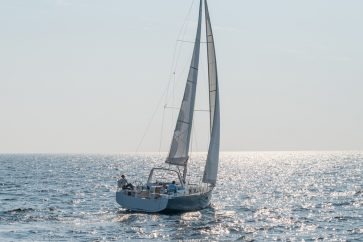 Beneteau 38.1 Sailing off in to the horizon.
