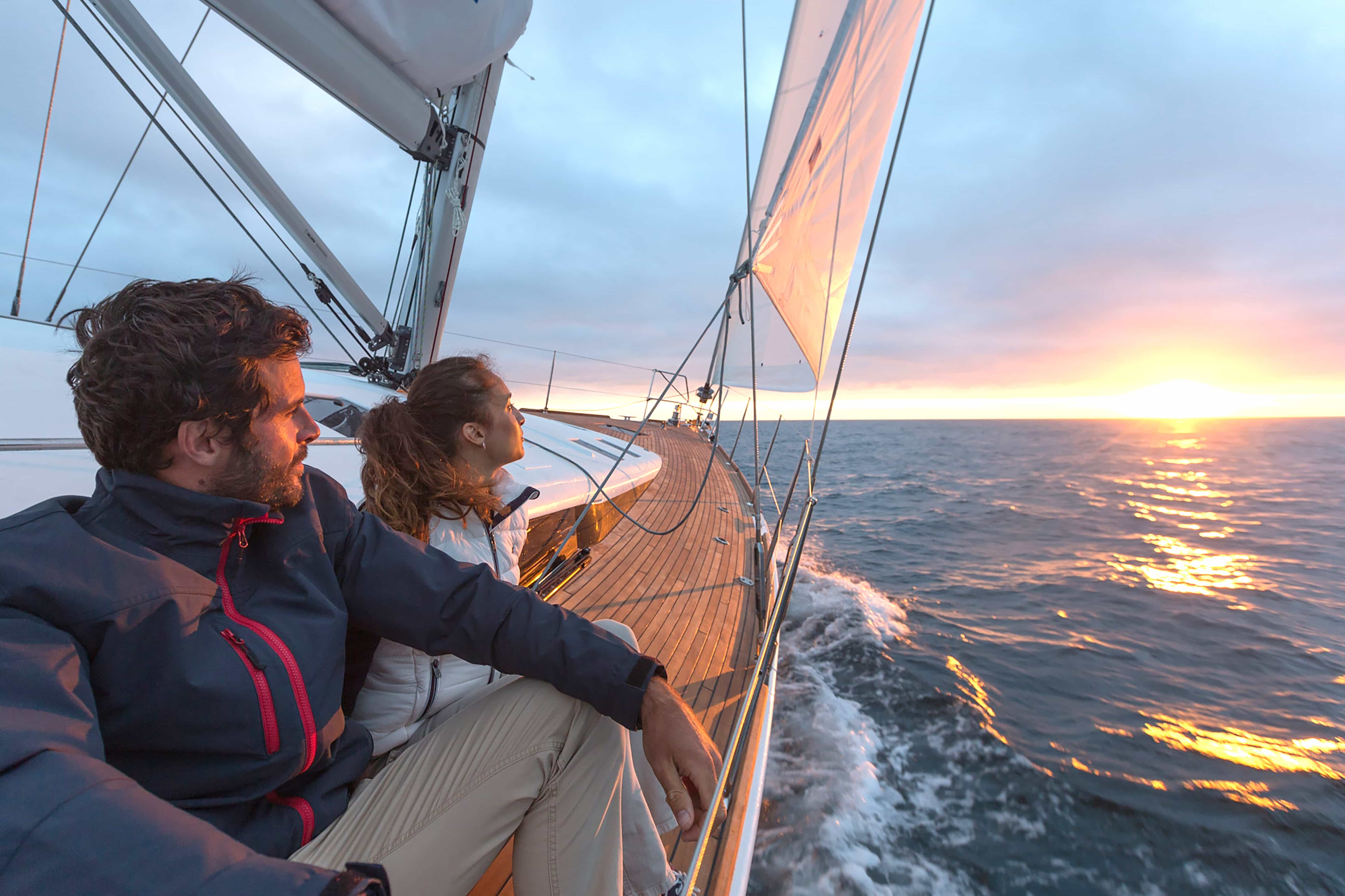 sailtime membership couple sailing starboard sunset